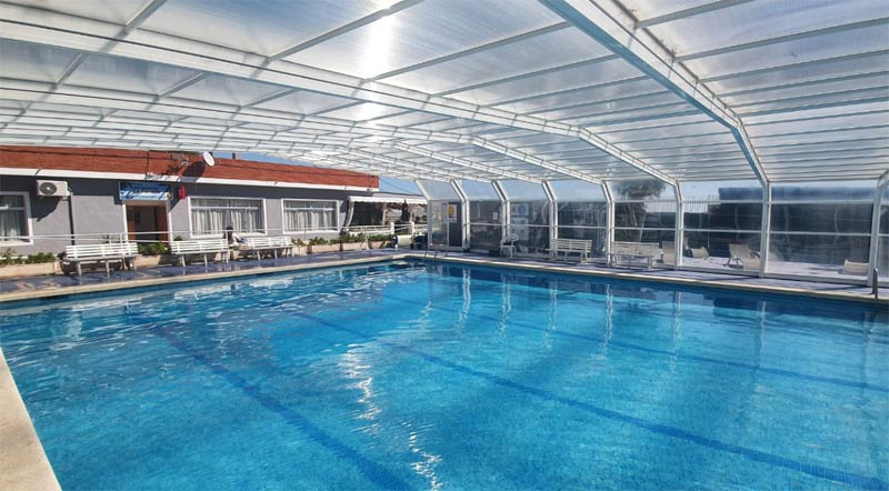 retractable pool camping Torre la Sal home